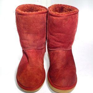 Ugg Classic Short II Size 7 Boot Camp Maroon #5825